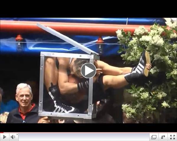 Charlie Adams shows you contortionist Bendy Em