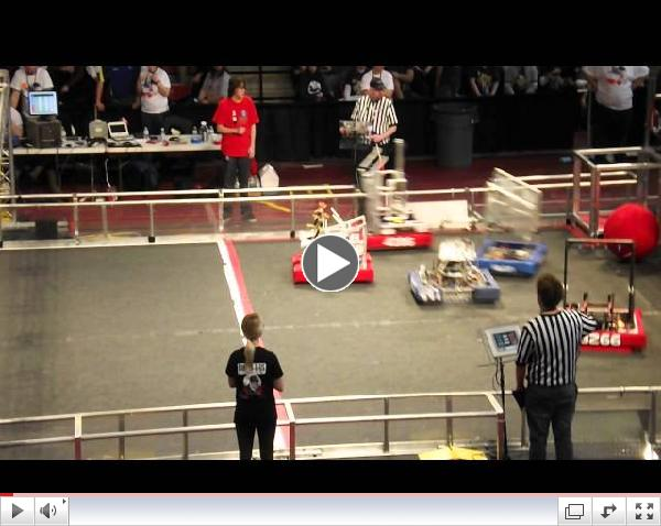 FRC Crossroads Regional 2014 short of team 4690 WD-40 playing agressive defense
