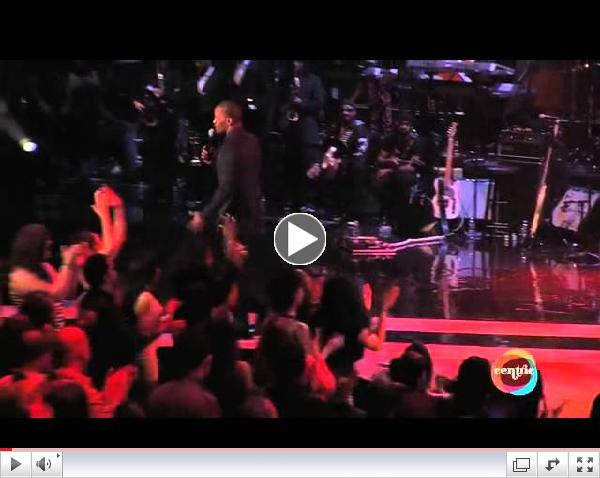 Jamie Foxx Calls Obama 'Our Lord And Savior' During Soul Train Awards 2012 Show