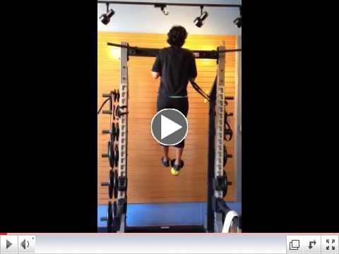 Mary Chin Ups w/ an 8 kg Kettlebell on her Foot!