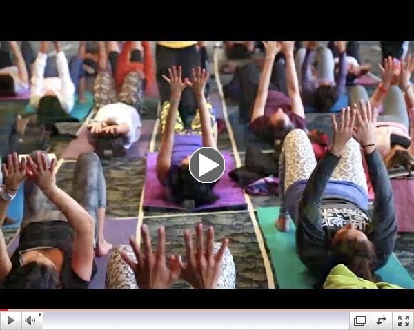 Presentaci�n de la BackMitra en el 10� Encuentro Nacional de Yoga