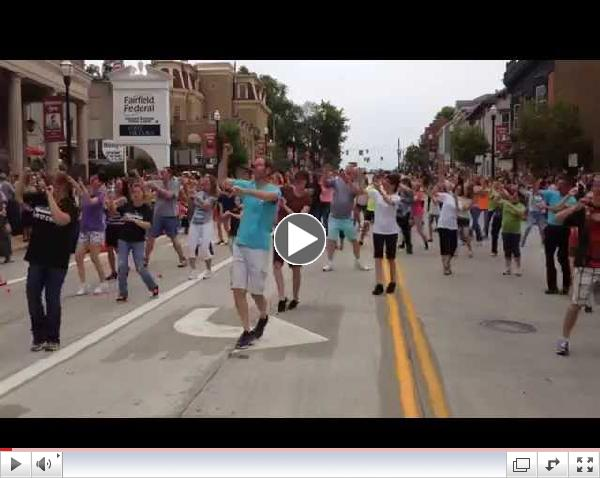 Happy Flash Mob - Lancaster, OH
