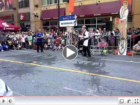 Jim Pagiamtzis haivng fun at Buskerfest in 2015 on Yonge street