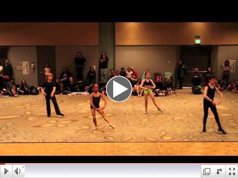 Mini's in Duncans Ballet class