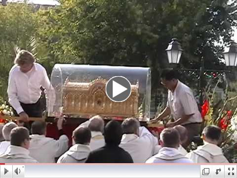 Reliquary arrives at the Cathedral of St. Pierre