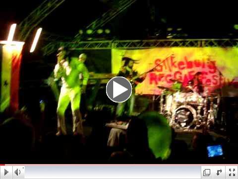 Reggae Denmark -Junior Kelly Energetic performance pt 4-9