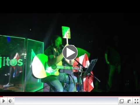 Tito Auger en concierto Orlando, FL hablando sobre Oscar