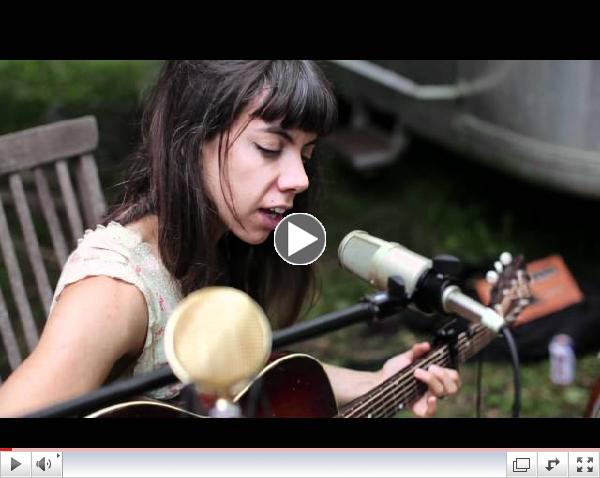 Waverly Sessions: Hurray For The Riff Raff - Look Out Mama