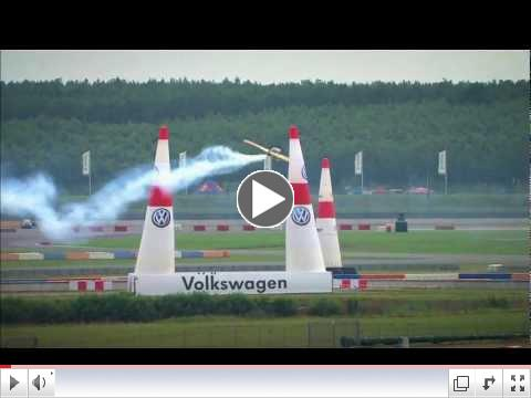 Red Bull Air Races - Pete McLeod (FREEview 212)