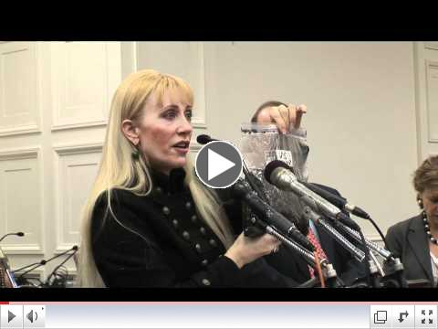 Kate_Hanni_flyers_rights_report_card_2011-02-15v2.mov