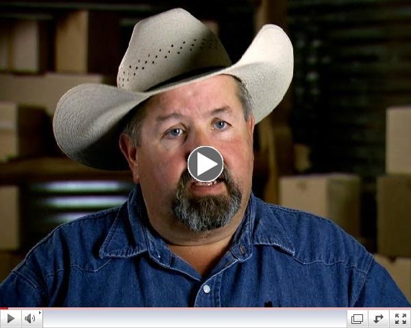 Storage Wars Texas: Ricky and Bubba's Snow Machine Appraisal (S3, E15)