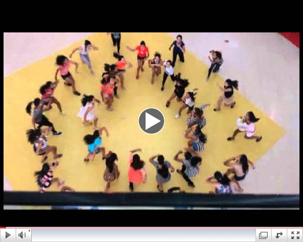 Flash-mob and a marriage proposal in Mazatlan