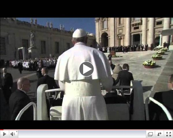 Raw: Pope Francis Rides to Installation Mass