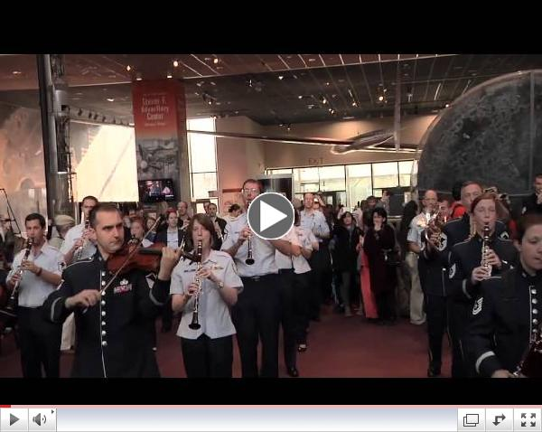 USAF Band Holiday Flash Mob at the National Air and Space Museum