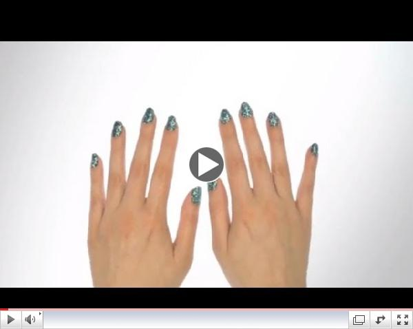 Learn how to : Bling It On Emerald Nail Kit by Nails inc.
