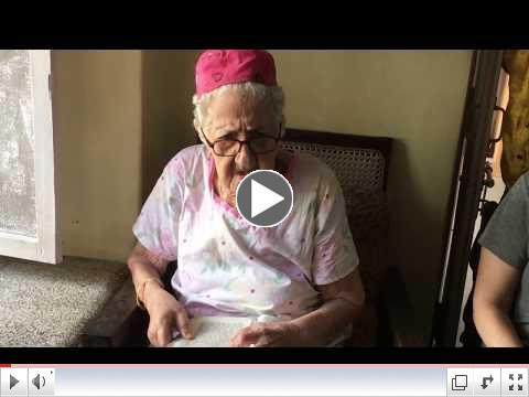 Sarah Cohen, 95, reciting her morning prayers in Kochu (Cochin)