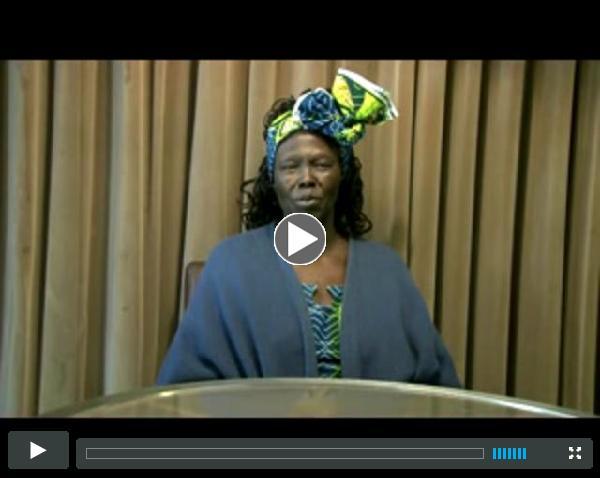 Wangari Maathai addresses the 2010 Global Peace Convention in Nairobi