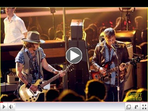 Johnny Depp Performs at 2012 MTV Movie Awards!
