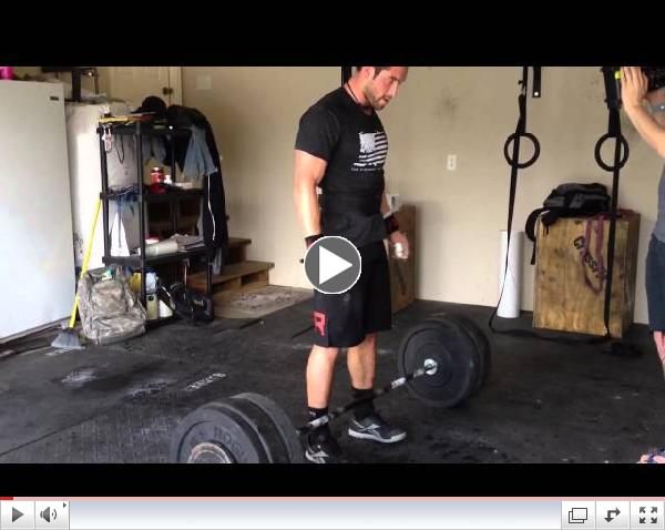 2011 CrossFit Games Champ, Rich Froning squat cleans 275